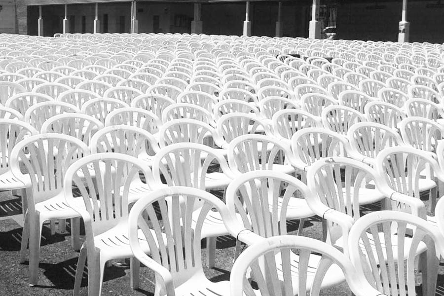 alquiler-sillas-de-plastico